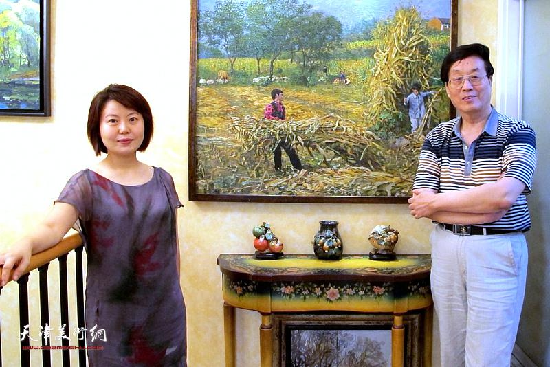 杜仲华采访曹雪蓉。