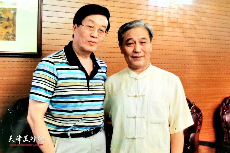 杜仲华采访马志明。