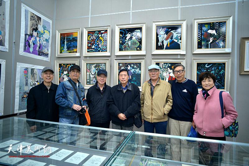 左起:张兆年、王春山、庞黎明、王世泰、宋萍、黄宗瑞、高晓英在画展现场