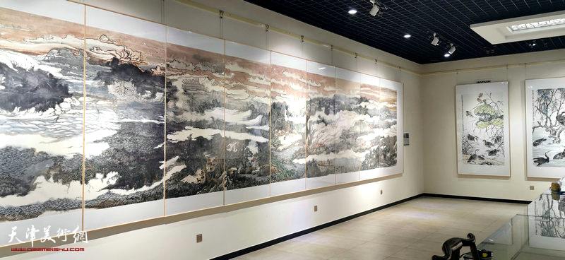 """""""描绘雄安美术作品国内巡展—历史卷""""画说雄安宝坻展布展现场。"""