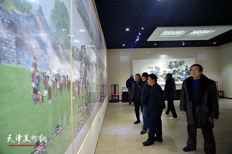 """描绘雄安美术作品国内巡展历史卷——""""画说雄安""""宝坻展现场。"""