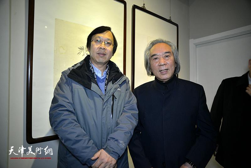 路洪明教授与天津美术学院教授路洪明在画展现场。
