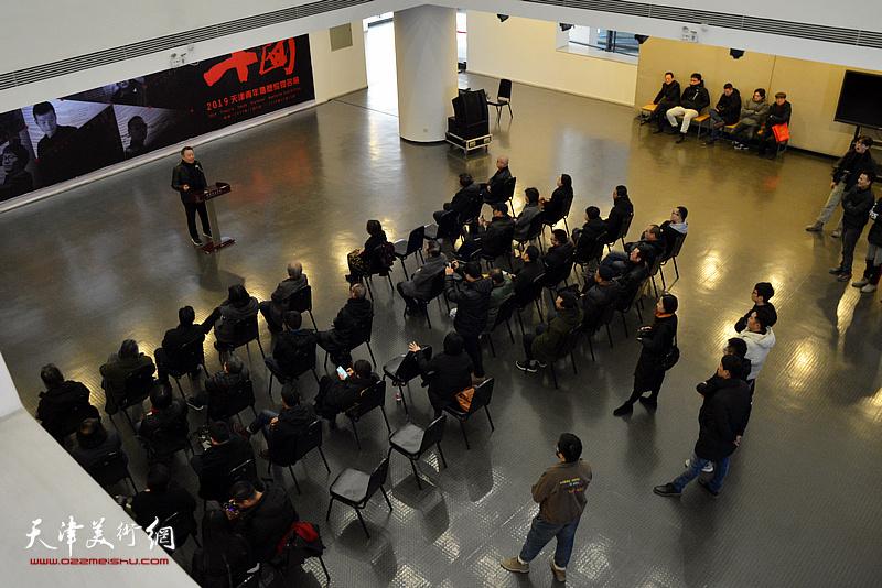 """""""十面——2019天津青年雕塑家提名展""""在天津美术学院美术馆开幕。"""