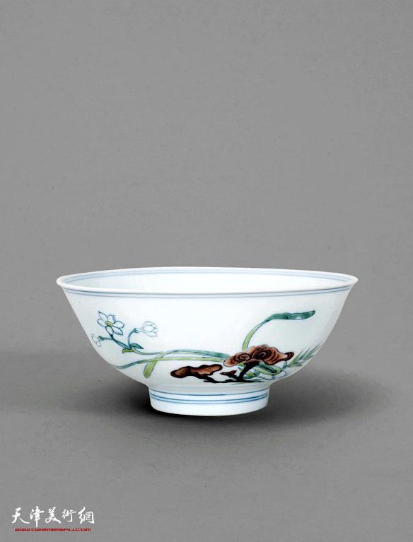 清雍正斗彩灵芝花卉纹碗