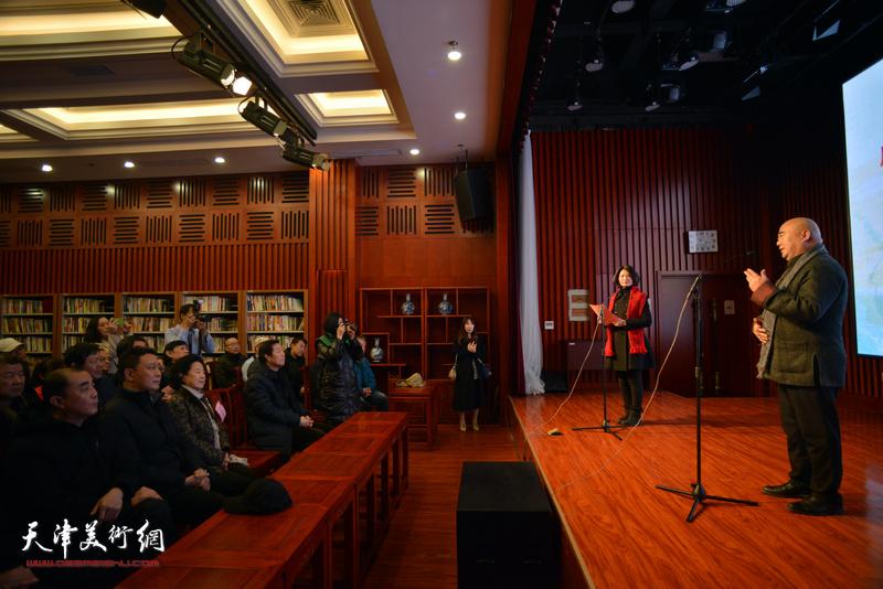 """""""津门彩汇——庆祝中华人民共和国成立70周年水彩画作品展""""开幕仪式现场。"""