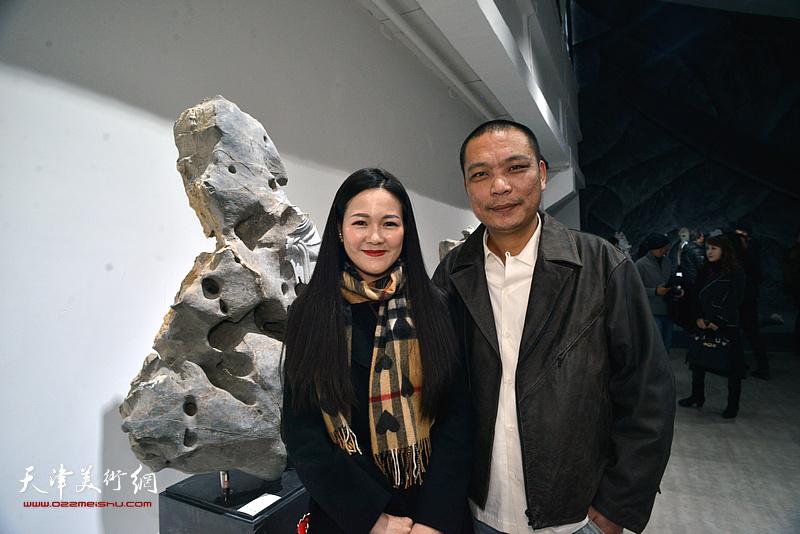 刘军与天津广播电视台记者齐祺。