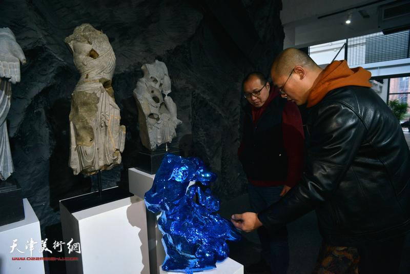 拼合的信仰-刘军雕塑作品展现场。