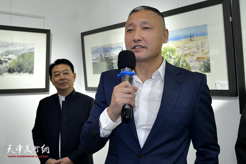中央美术学院视觉艺术高精尖创新中心主任、中国美术家协会环境设计艺术委员会委员常志刚致辞。