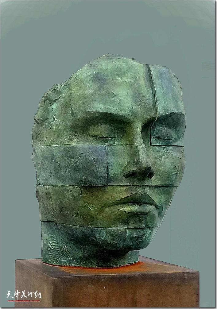 王海林作品《头像》 (铸铜雕塑)