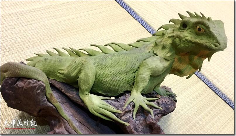 王海林作品:《绿蜥蜴》 (面雕)