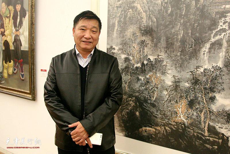 著名山水画家皮志刚先生。