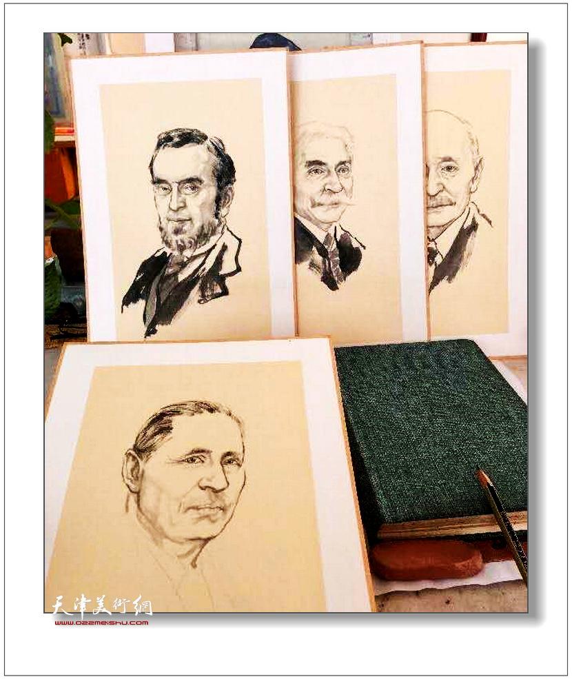 青年画家赵炳宇创作《历届国际奥委会主席系列肖像》。