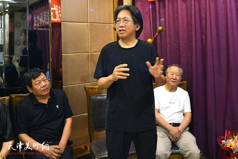 著名山水画家李毅峰先生到场祝贺纪振民先生喜收新徒