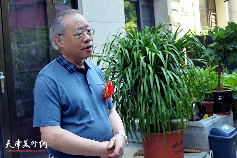 南开画院名誉院长、中国扬州八怪研究院天津院院长王金厚