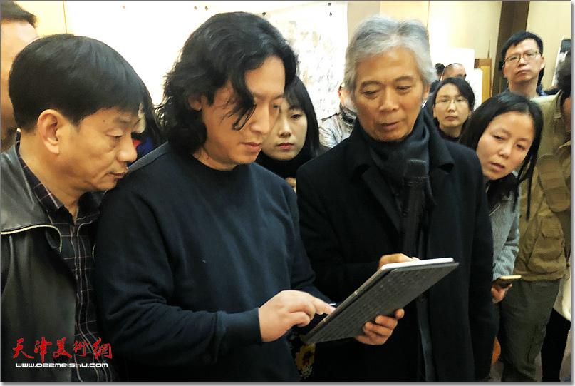 唐勇力先生指导《老兵——军礼》创作。