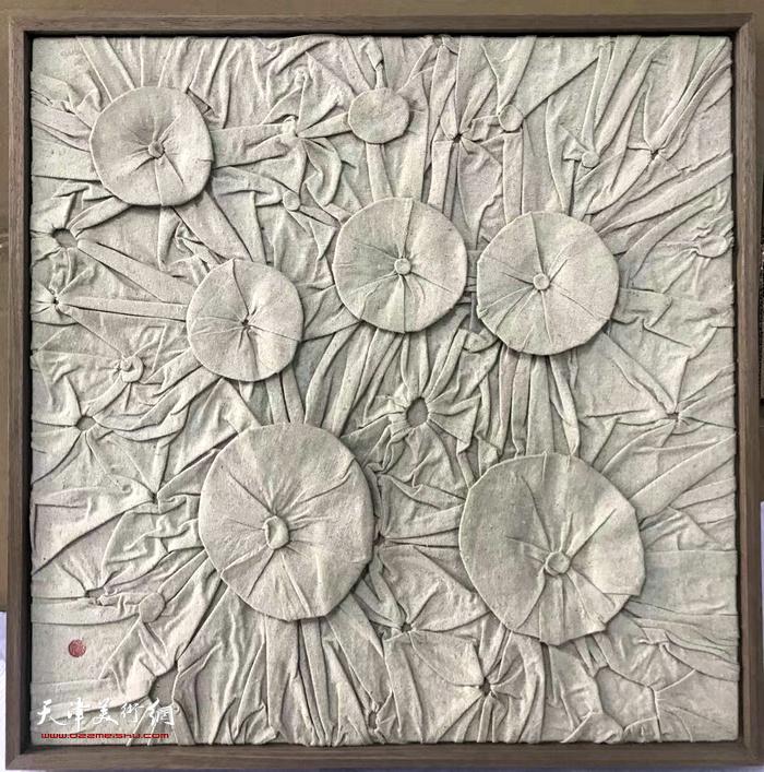 艺术家曹敬钢纤维艺术作品。