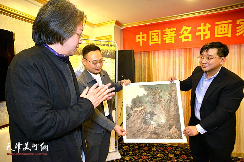 李毅峰先生点评刘观岳作品。