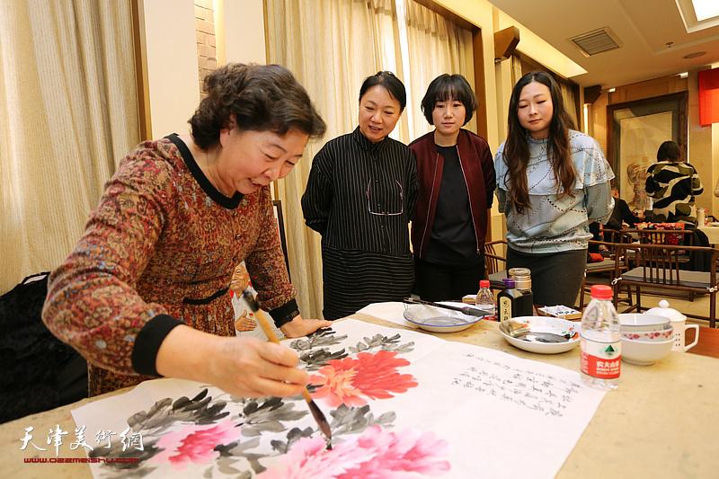 天津书画名家走进杨柳青画社开展迎新年翰墨联谊活动