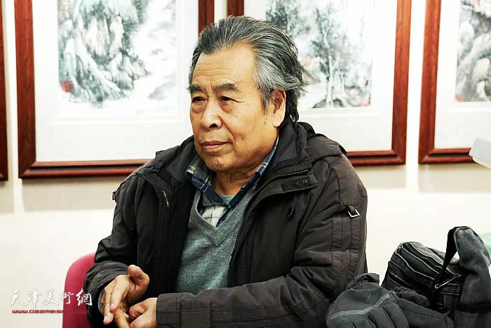 赵树松在穆怀安山画水展示活动现场
