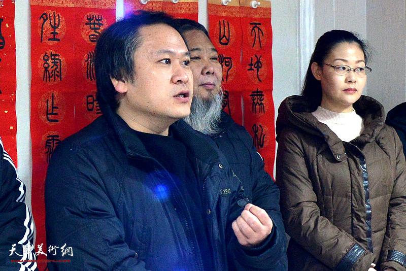 天津美术学院中国画学院花鸟系副教授、画家霍岩