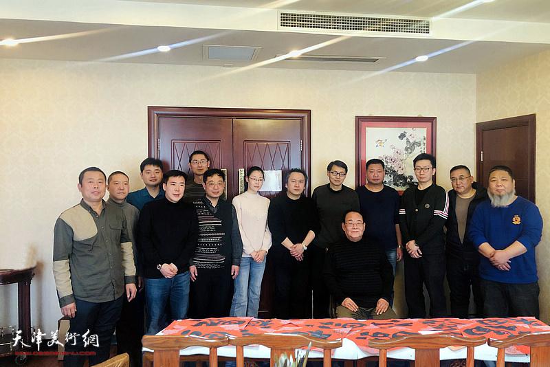 孙季康先生在2021孙其峰艺术研究院公益讲堂暨怀德书院迎春联谊会活动现场。