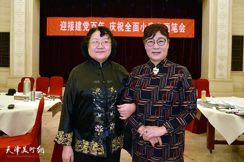 刘正、王俊英在笔会现场。