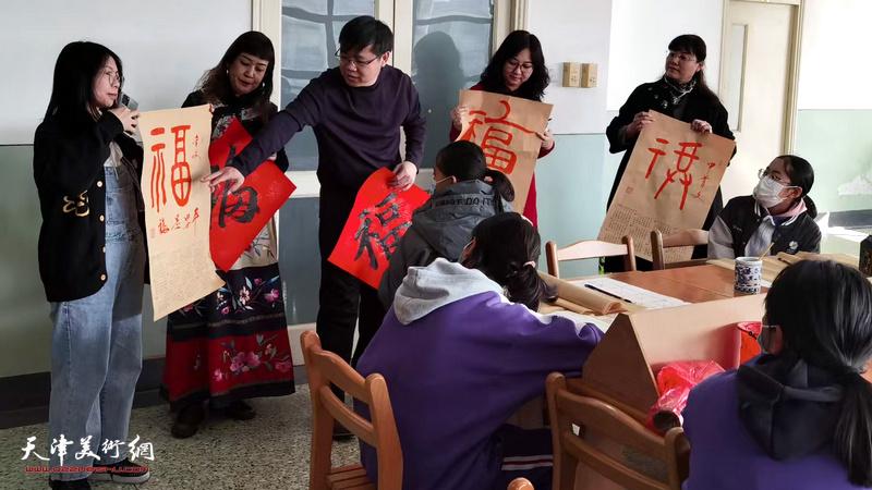 书画家刘镪、黄雅丽、赫英杰、许洁、赵文静