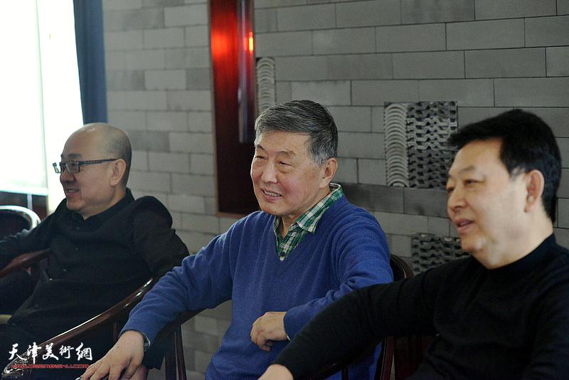 刘学仁、马驰、华绍栋在海顺印业名家雅集现场。