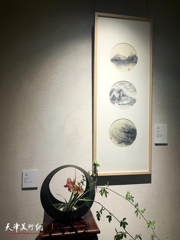 """""""她·艺术""""天津国际女性艺术家联展现场。"""