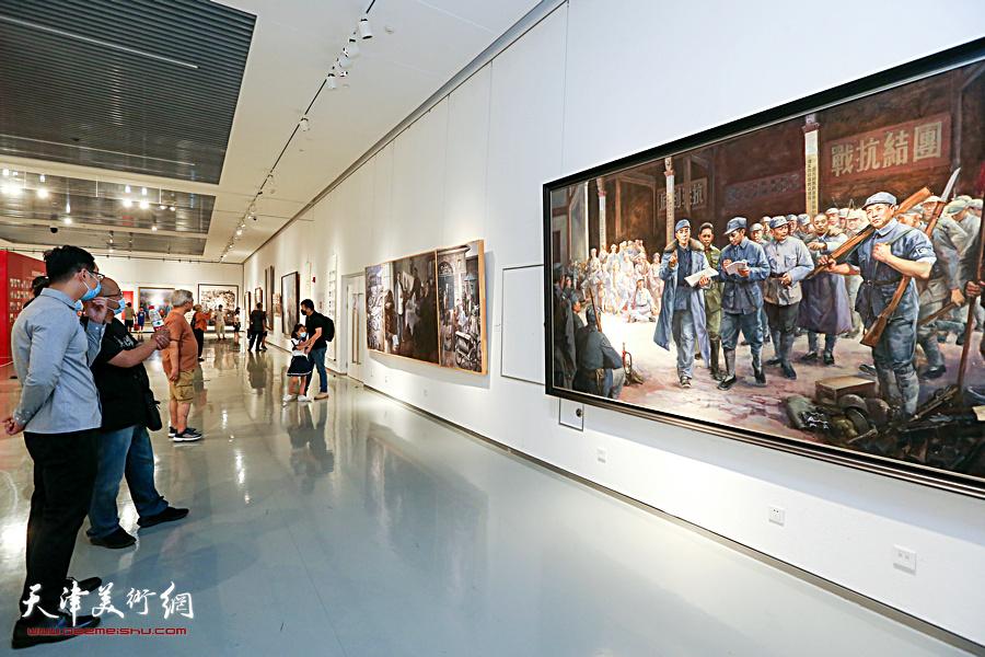 天津文艺界庆祝建党百年精品创作展现场。
