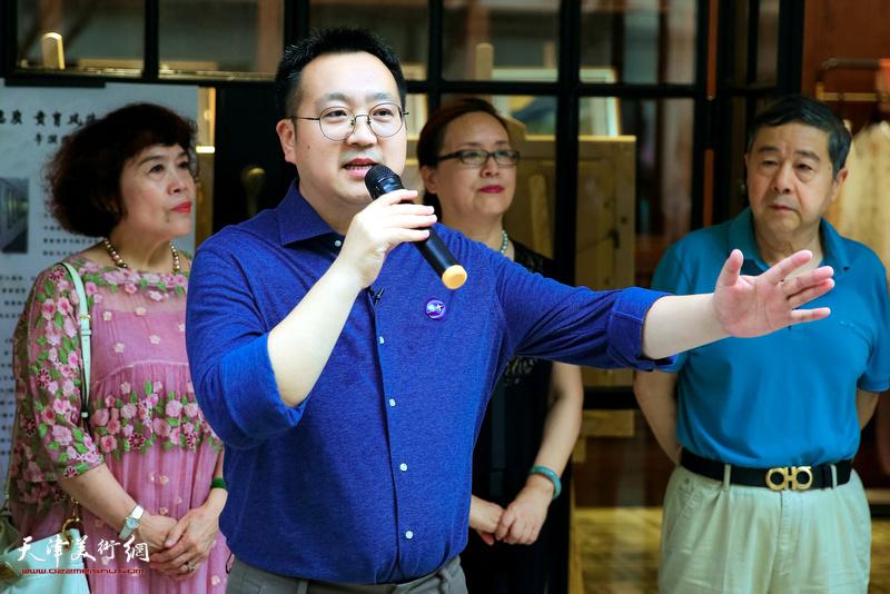 设计总监牛宝明先生致辞。