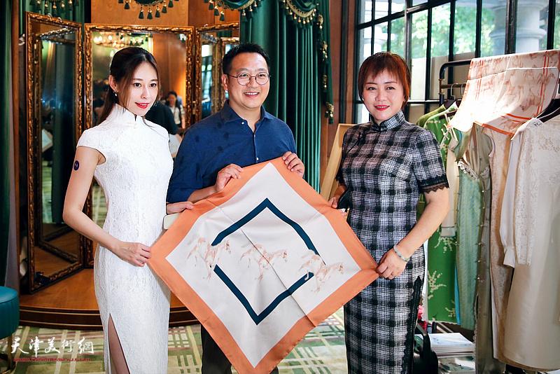 李澜宫廷画派个展暨V&A艺术限定款发布现场。