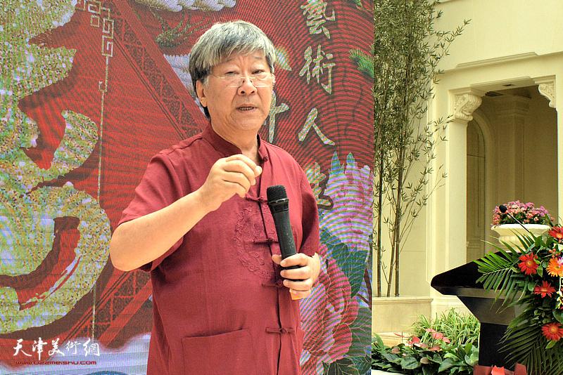 天津山水画研究会秘书长王山岭发表贺寿辞。