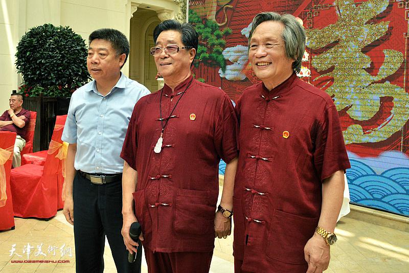 企业家张养峰先生到场祝贺。