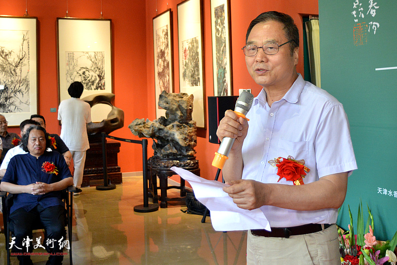 原天津人民美术出版社副总编辑、天津南开画院院长邢立宏致辞。